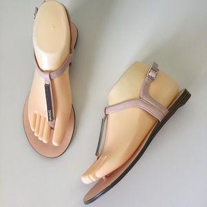 Calvin Klein Samira Thong Blush Sandals Sz 7 MINT